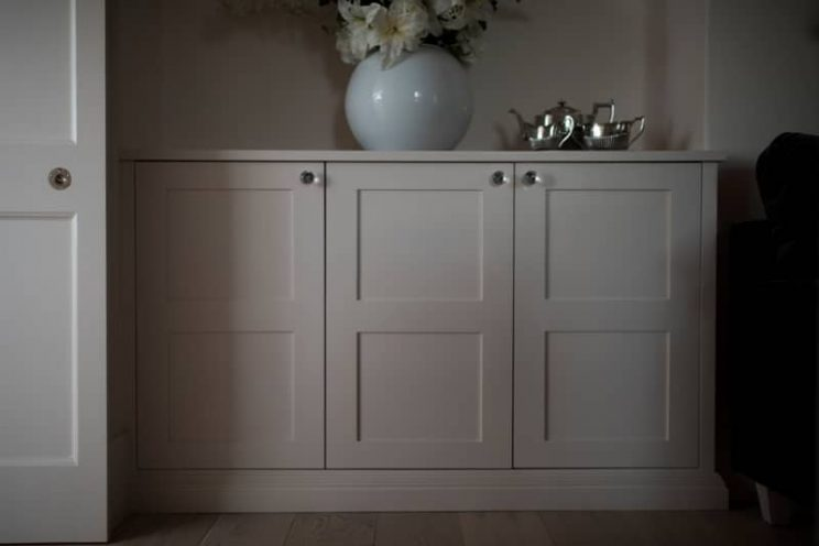 Elegant cupboards with glass handles