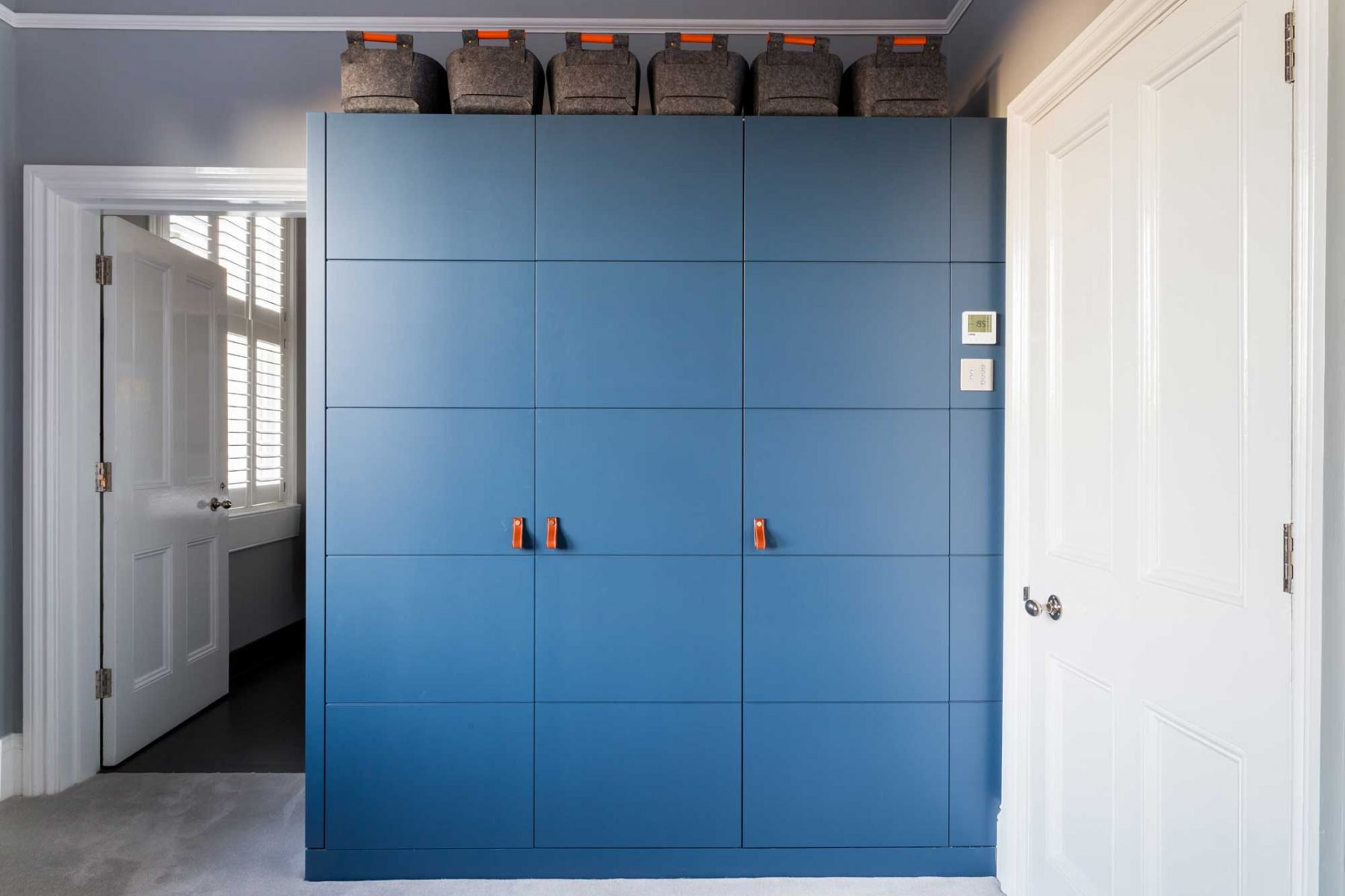 Fitted wardrobe in boy's bedroom